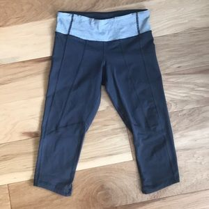 Lululemon Running Crop Pants Grey Stripe